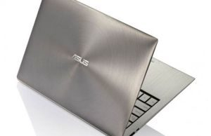 The UX21 looks great and can't be accused of copying the MacBook Air.