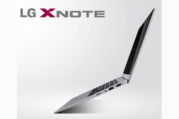 Even though it's another MacBook Air copycat, the LG Z330 looks very stylish and elegant.