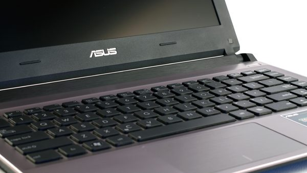 The Auss U32V can be a wrothy alternative for the cheaper ultrabooks