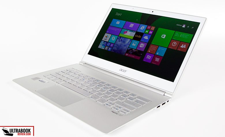This is the Acer Aspire S7-393, the 2015 model: the same as before on the outside, but with a few new goodies inside