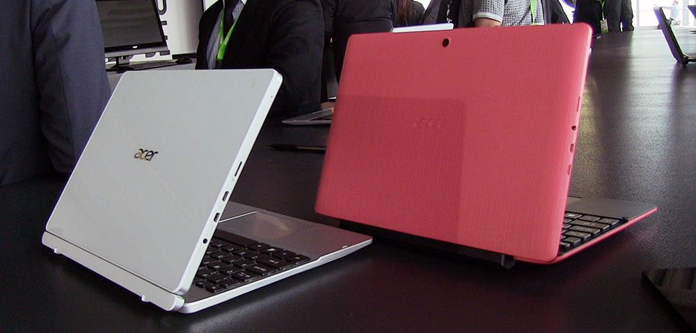 Acer Switch 10 (left) and 10 E (right)