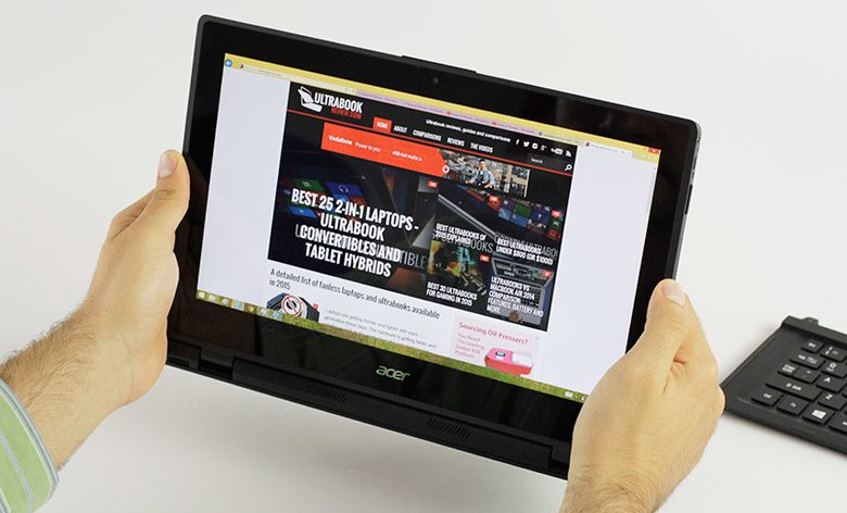 The larger screen has its benefits in tablet mode, but the hefty weigh does hinder the overall experience