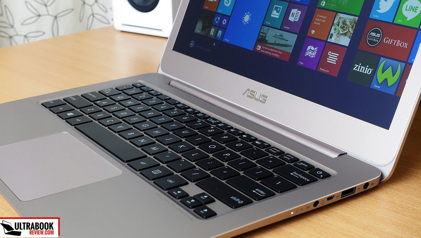 The Zenbook UX305FA puts Skylake hardware in a sleek and affordable package