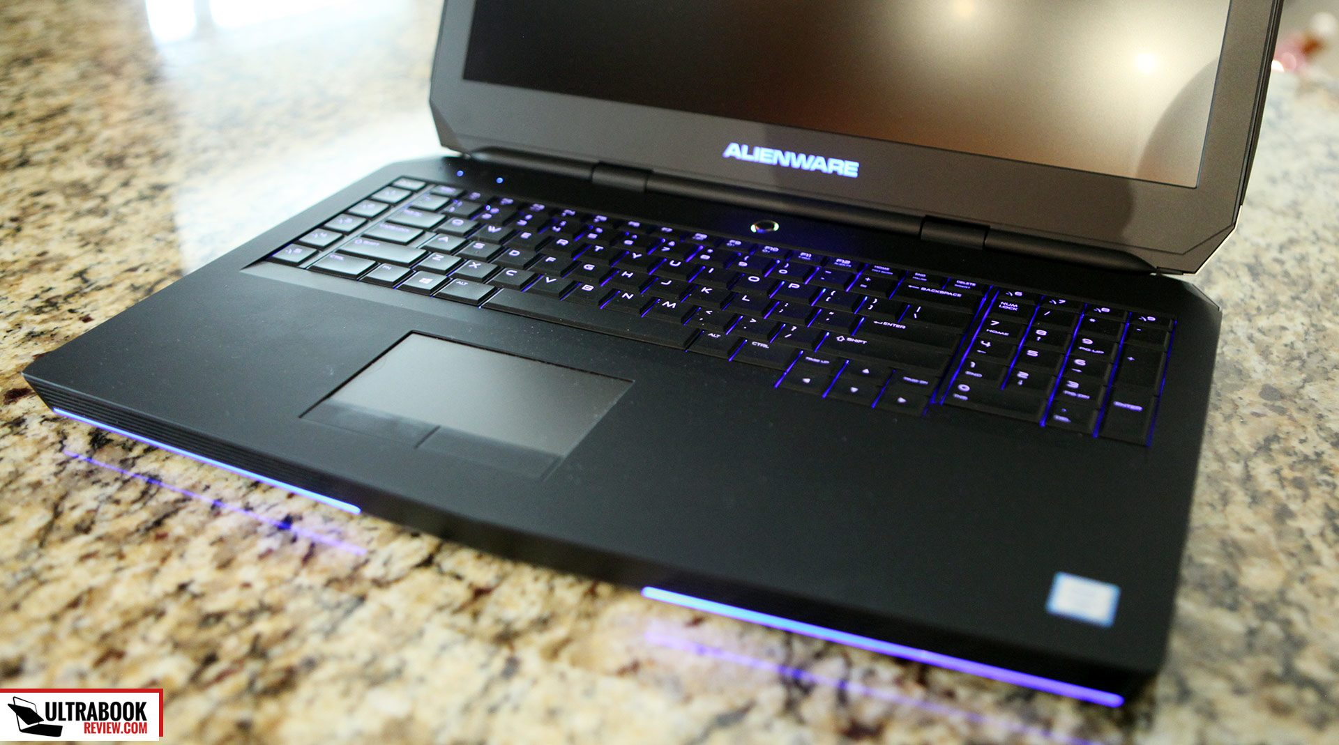 how to change keyboard lights on alienware