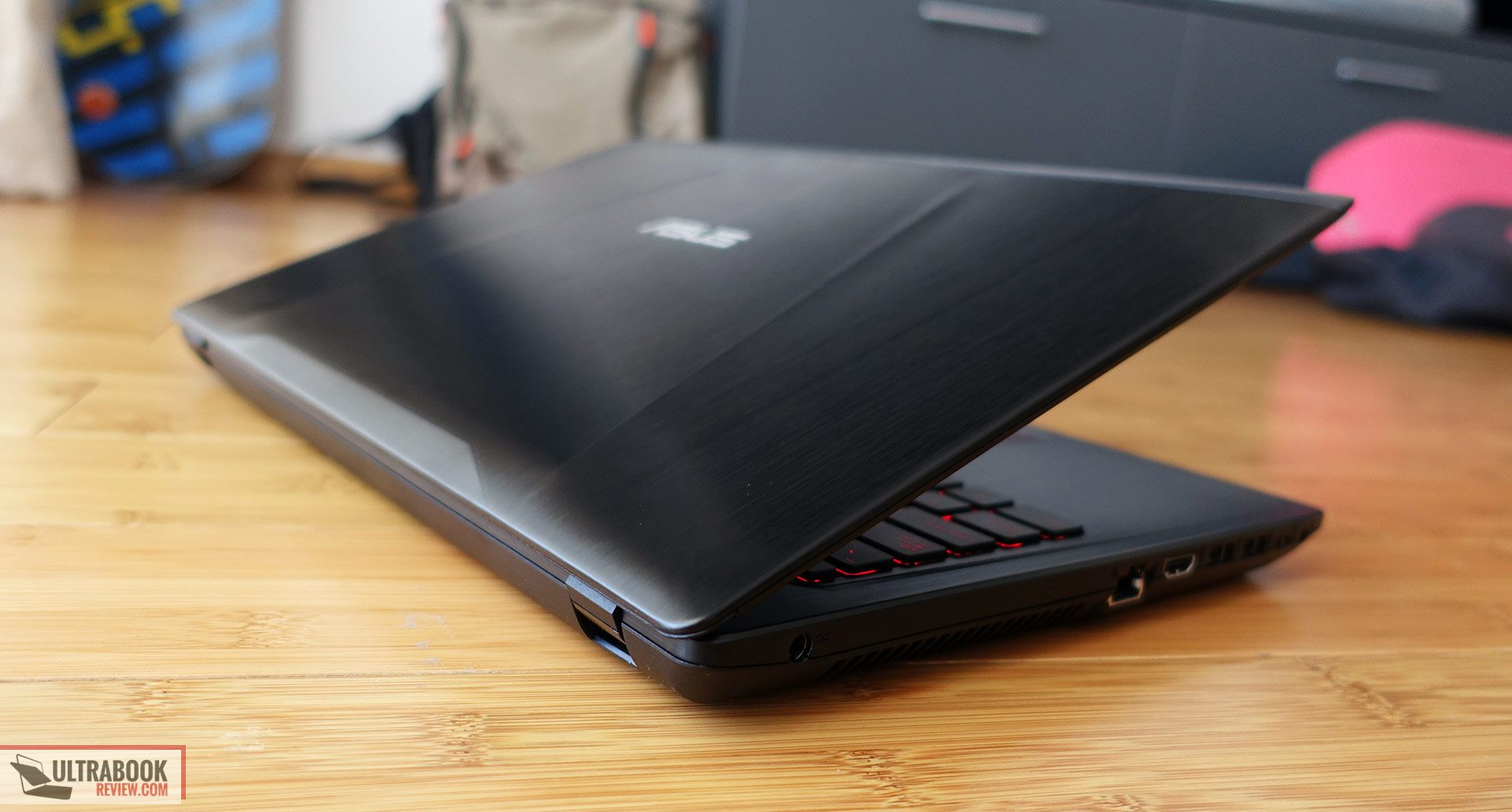 Asus ROG Strix GL553VE review - multimedia laptop with Core i7