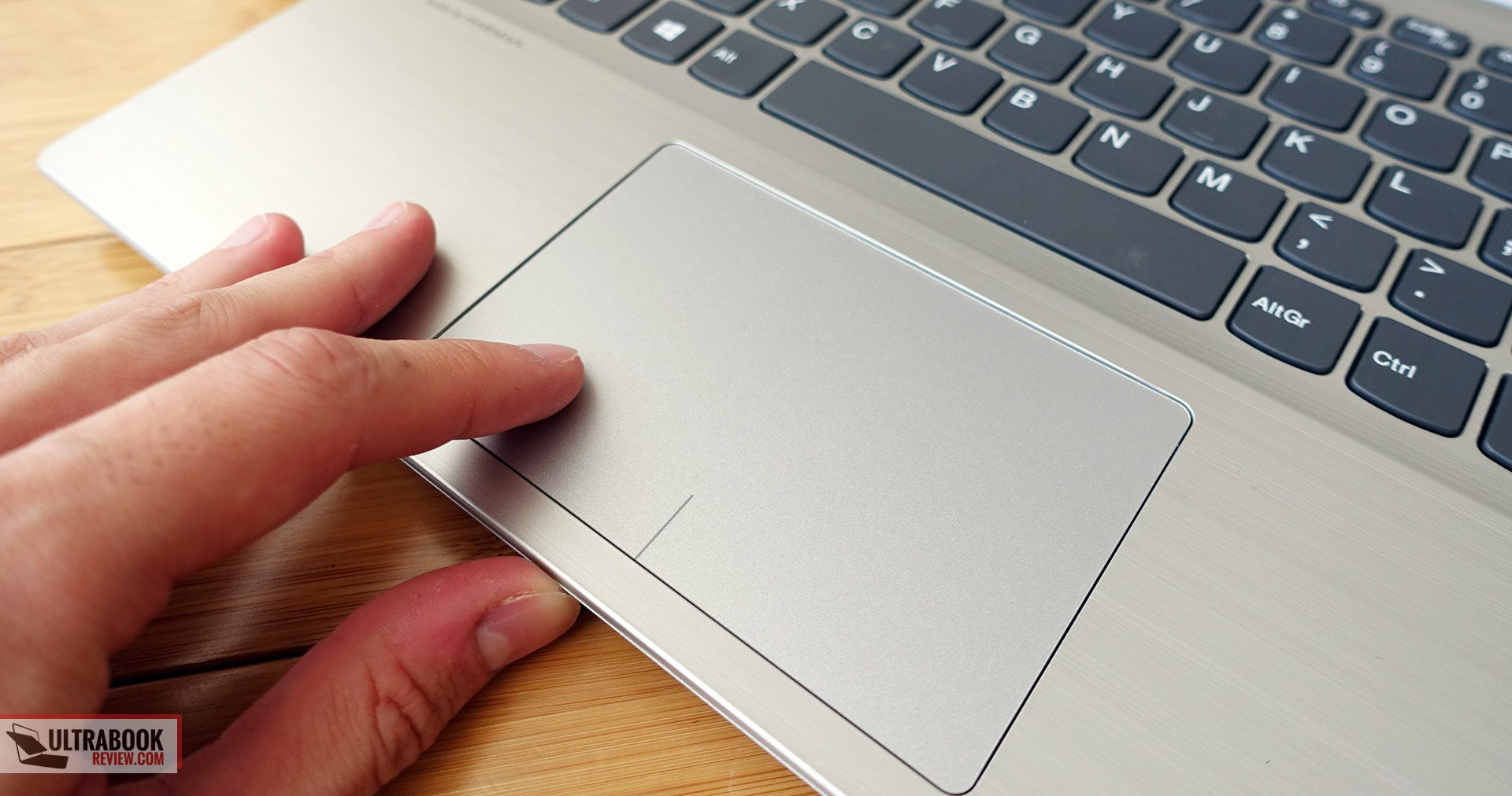 Lenovo IdeaPad 320S review - affordable and compact 14-inch notebook