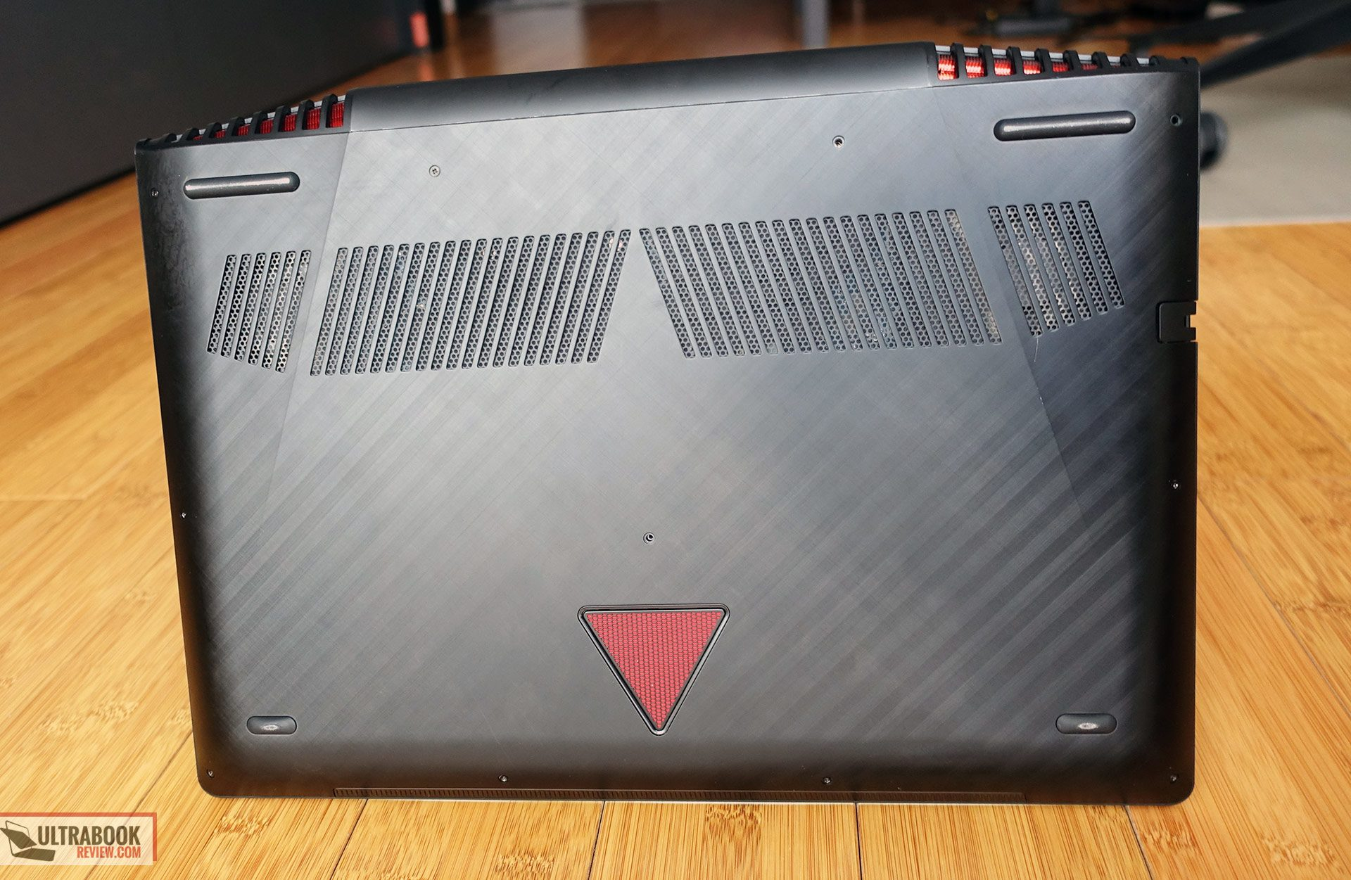 Lenovo Legion Y720 Review I7 7700hq Gtx 1060 Solid Mid Range Unique Laptop Cooling Pad Is 668 That Aside Though Theres Little Else I Can Say Wrong About The Design Lines And Choice Of Materials Metal Soft Plastic Used For Most Case