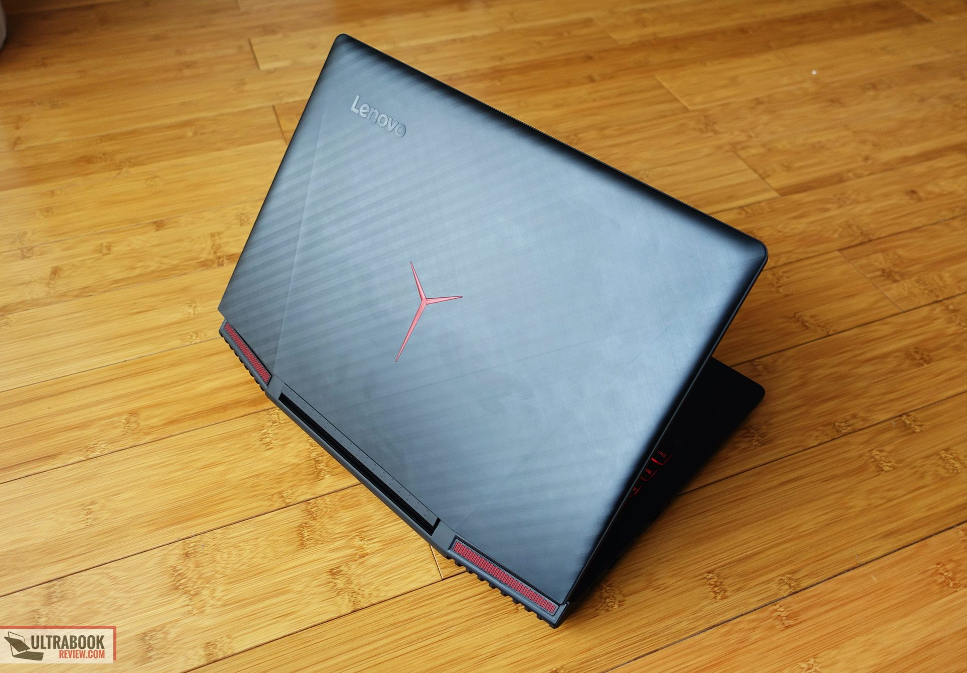Lenovo Legion Y720 review (i7-7700HQ, GTX 1060) - solid mid-range