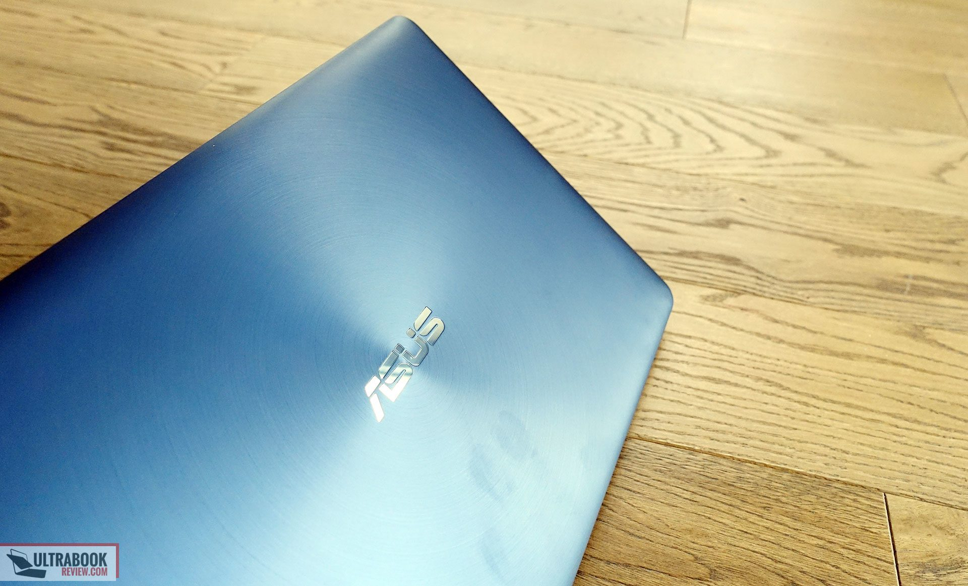 Asus Zenbook UX550VE review (i7-7700HQ, GTX 1050 Ti) and how