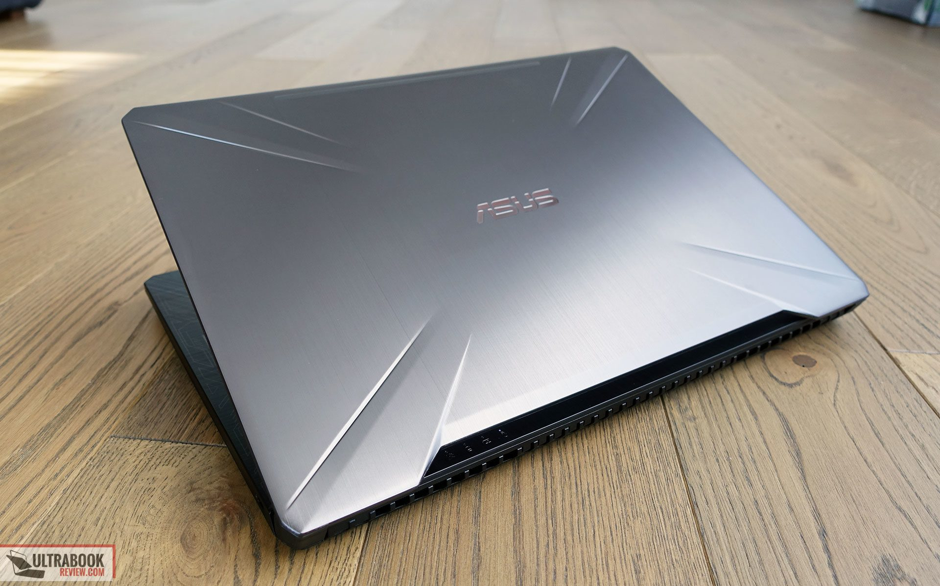 Asus TUF FX504 review (FX504 GE - i7-8750H, GTX 1050 Ti