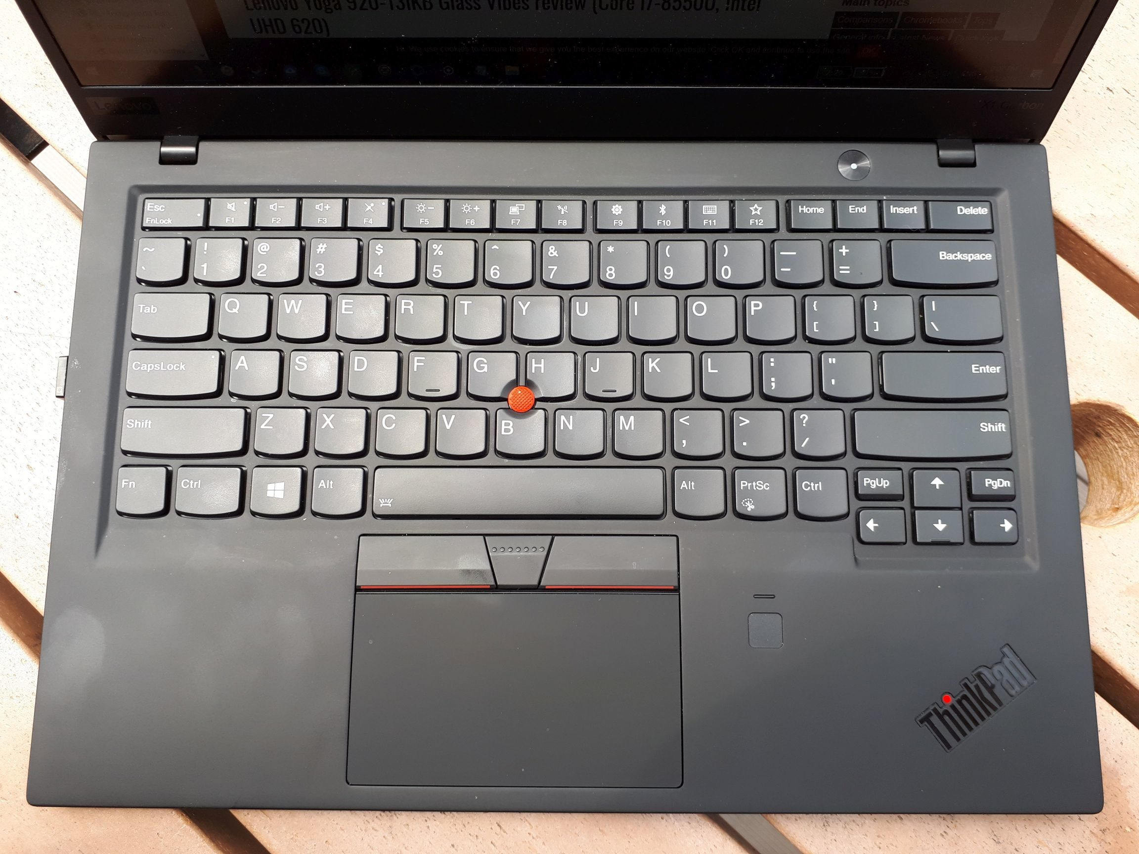 Lenovo ThinkPad X1 Carbon 2018 vs Dell XPS 13 9370 review