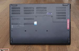 Lenovo ThinkPad P73 - back