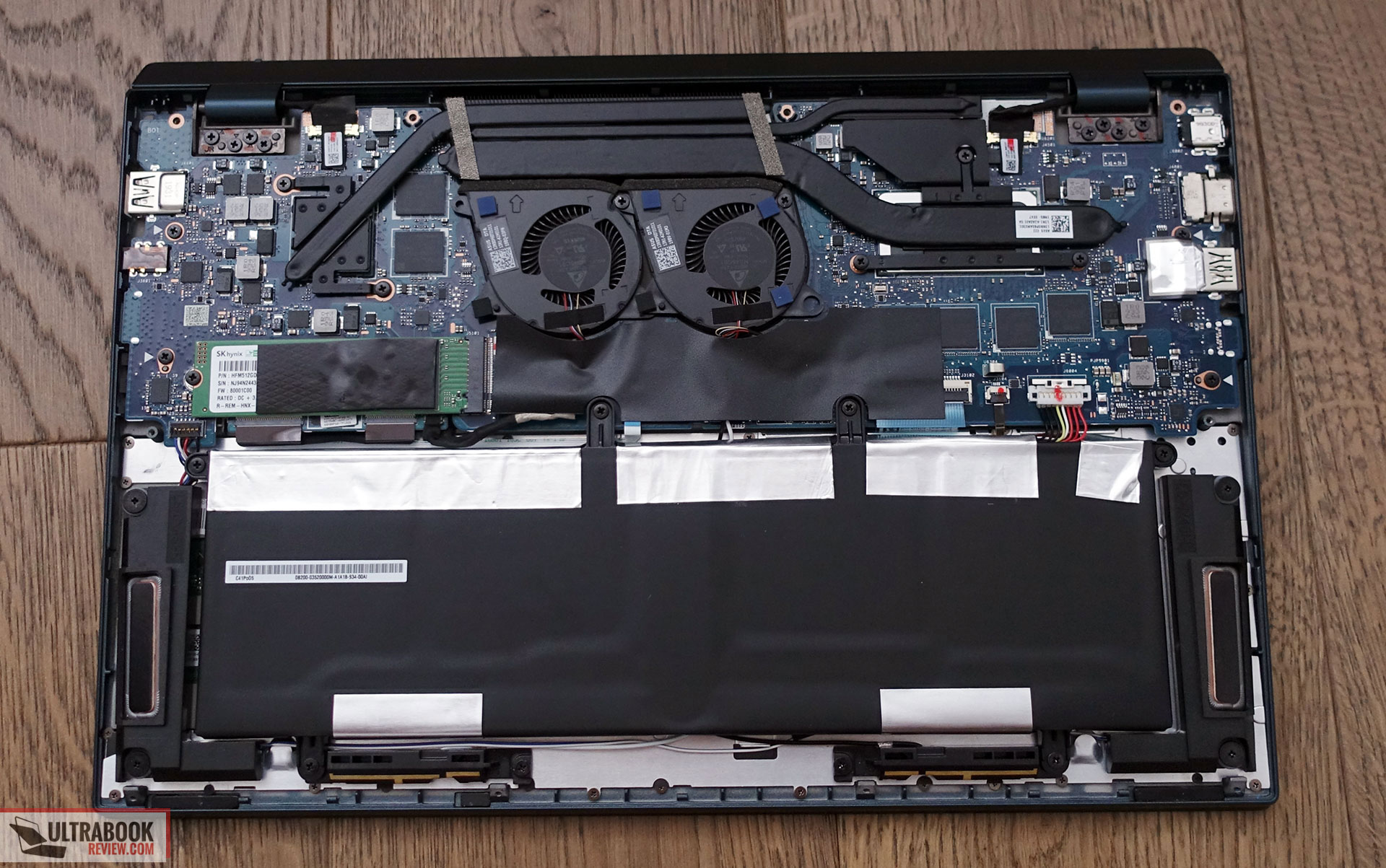 Asus ZenBook Duo UX481FL internals and disassembly