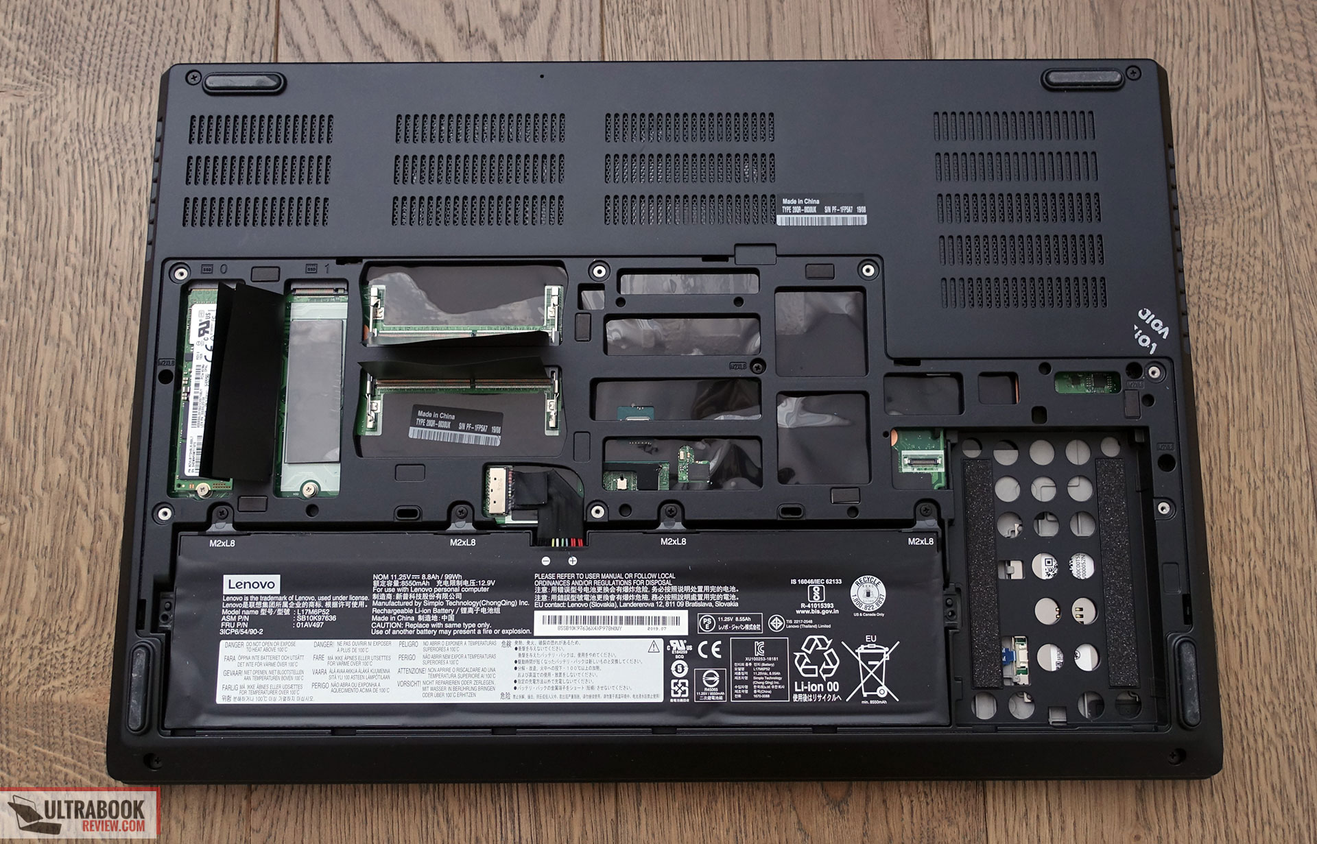 Lenovo ThinkPad P73 - internals and disassembly