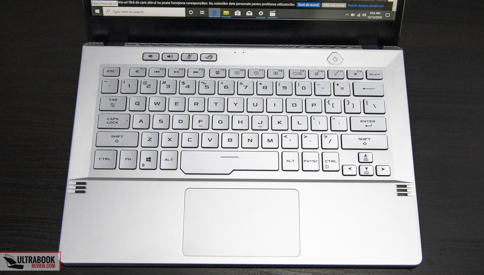 Asus Zephyrus G14 keyboard
