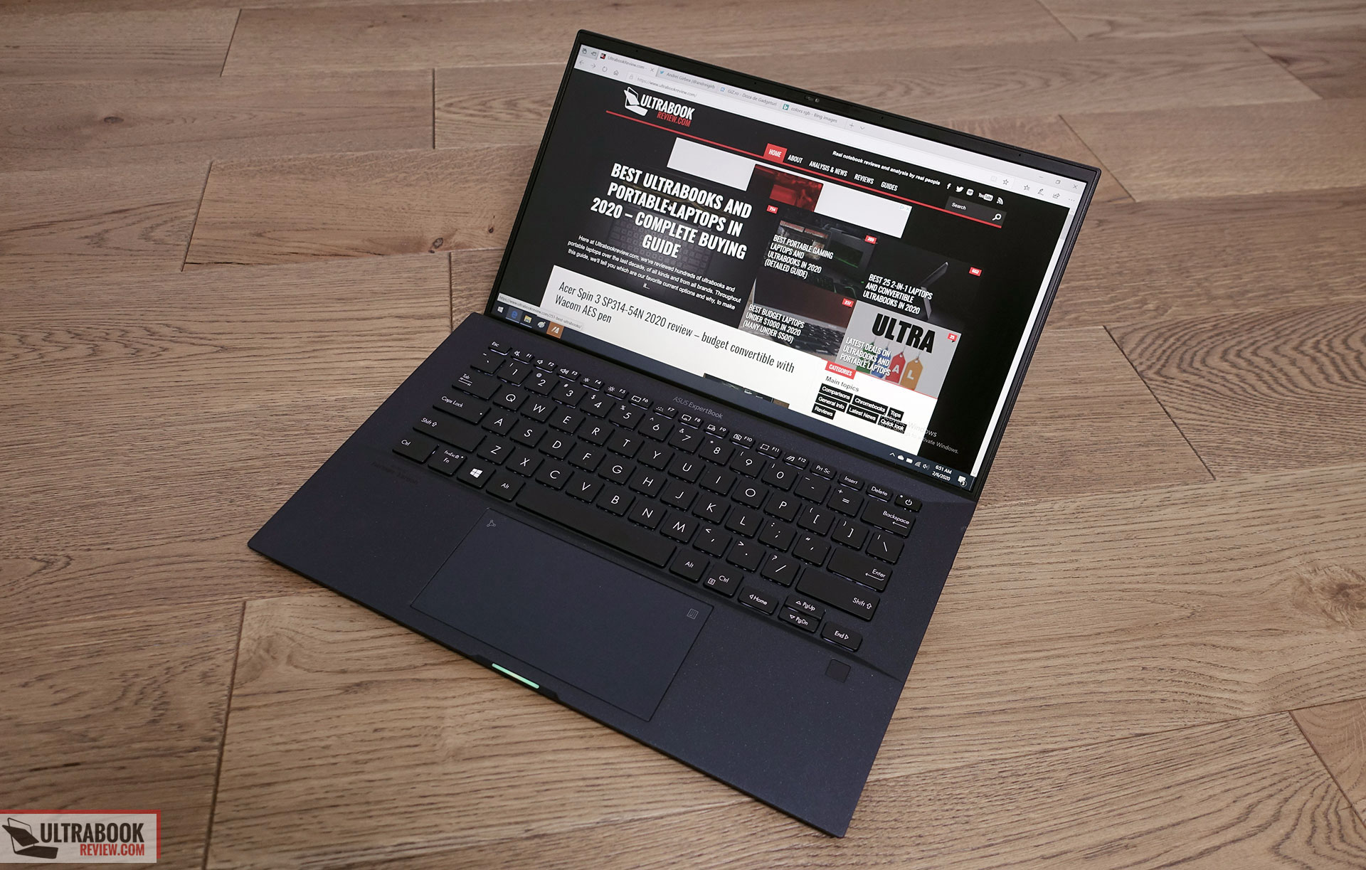 Asus ExpertBook B9450FA - design