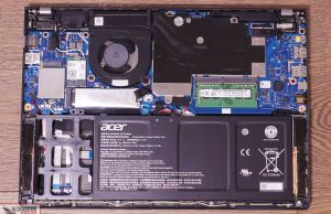 Acer TravelMate P6 P614 internals and disassembly