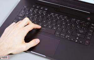 Asus Zephyrus G15 GA502 keyboard and clickpad
