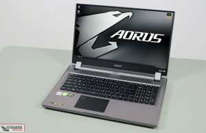 Gigabyte Aorus 17G - interior