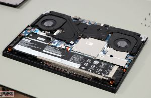 Lenovo Legion 5 internals battery and speakers