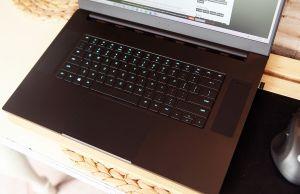 Razer Blade Pro 17 - keyboard and clickpad