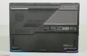 2021 Asus ROG Strix Scar 17 - back